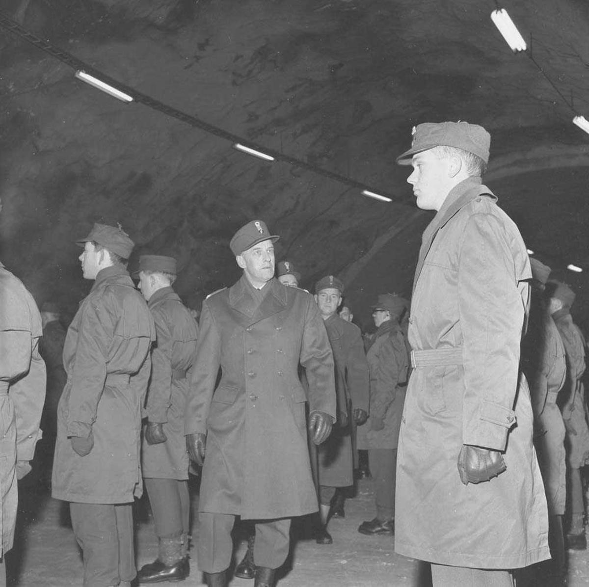 Hovedoppstilling på Bodø flystasjon for LK-sjefen General Werner Christie.