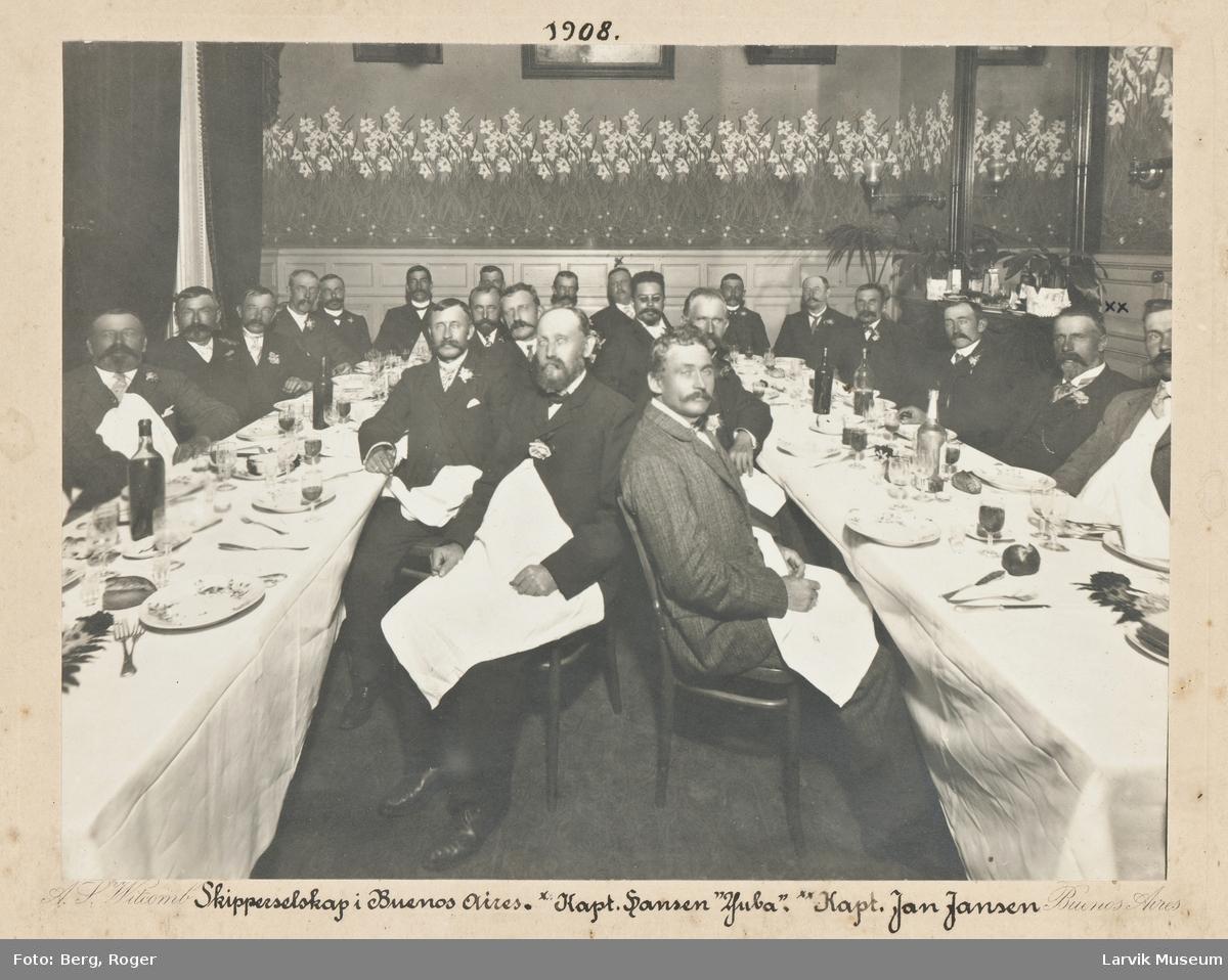 """Skipperselskap i Buenos Aires, 1908 med kaptein Jansen fra """"Excelsior"""" som deltager."""