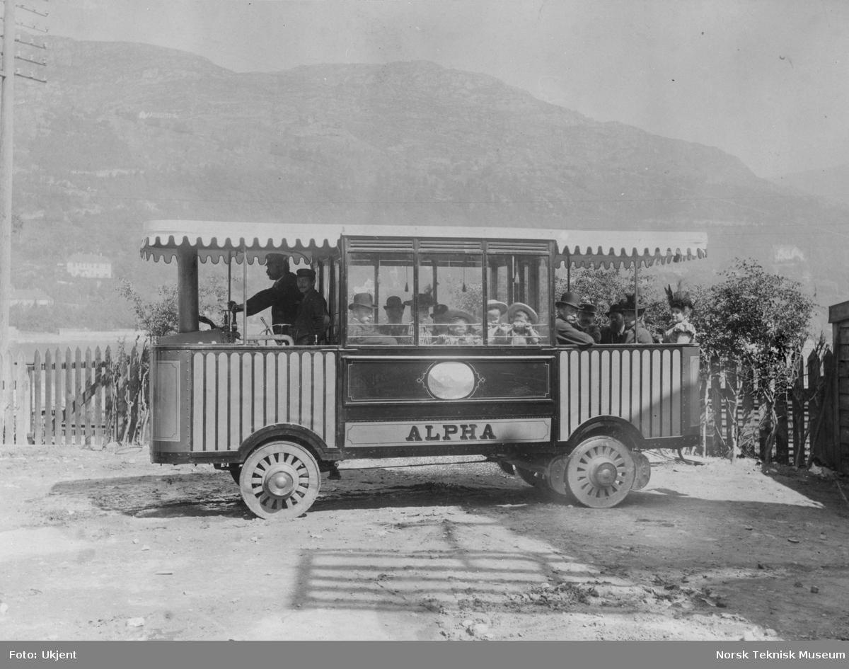 "Paul og Jacob Irgens dampbuss ""Alpha"" bygget i Bergen"