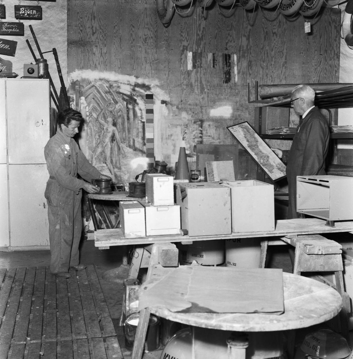 Övrigt: Foto datum: 13/8 1957 Byggnader och kranar Målareverkstans förråd