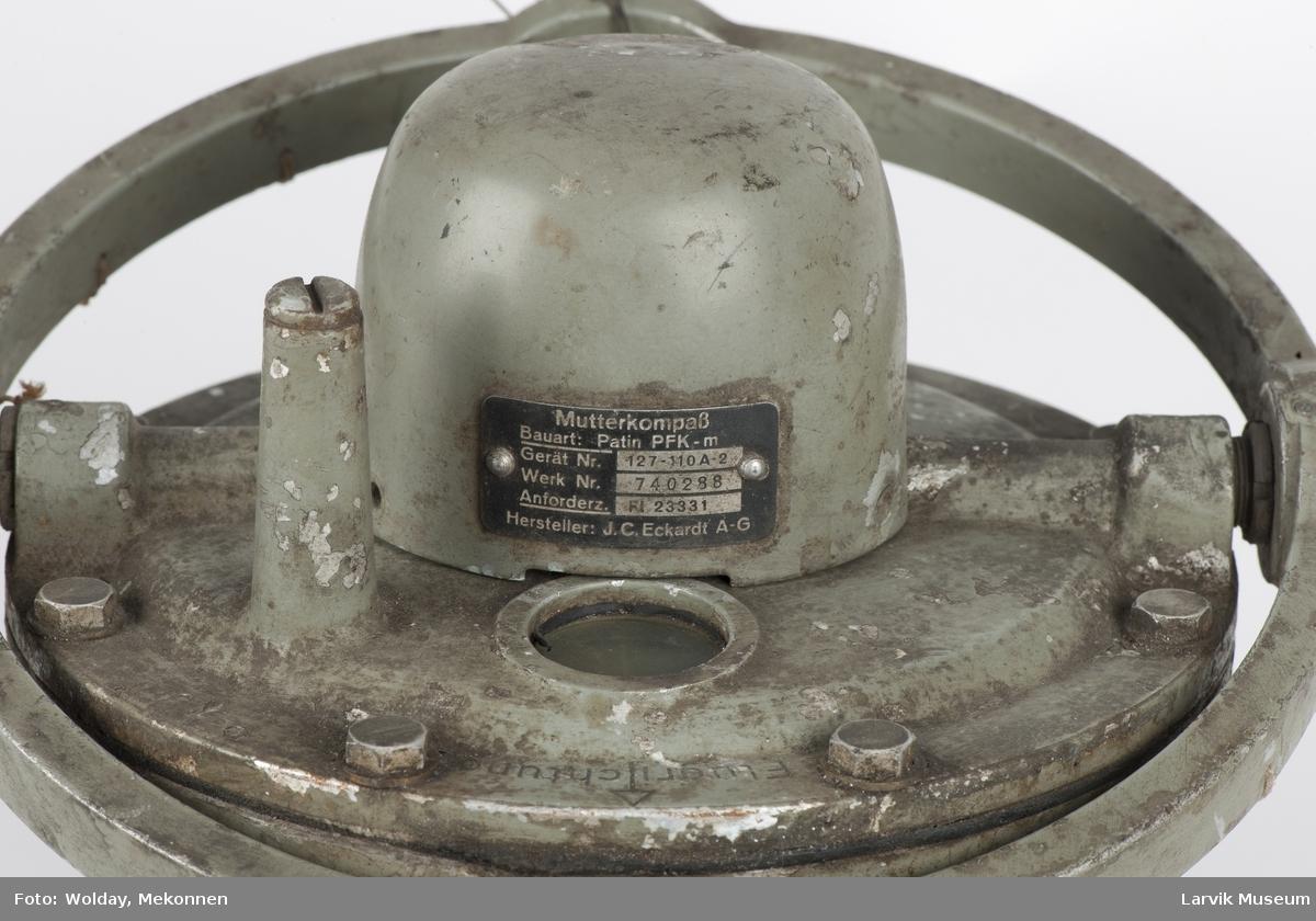 Kompass m. slingrebøyle (til fly?)