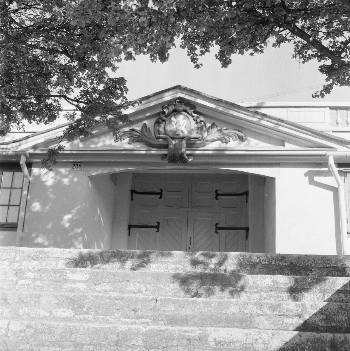 Övrigt: Fotodatum:8/10 1959 Byggnader och Kranar. Byggn å varvet Chapmansporten. Närmast identisk bild: V16763, ej skannad