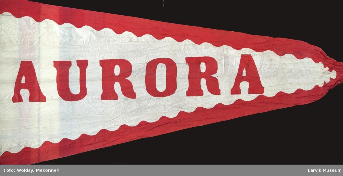 """Skipets navn: """"Aurora"""""""