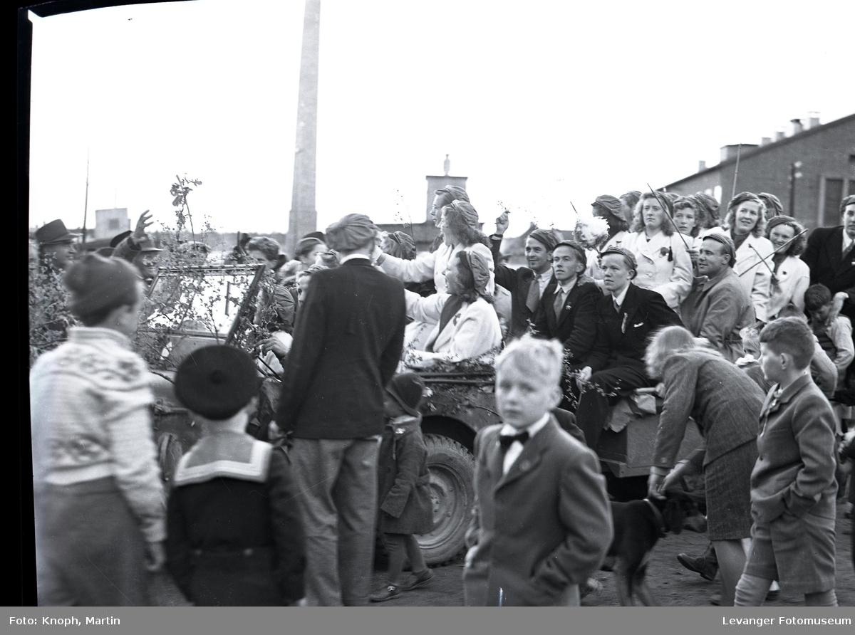 17. mai på Steinkjer, russebil.