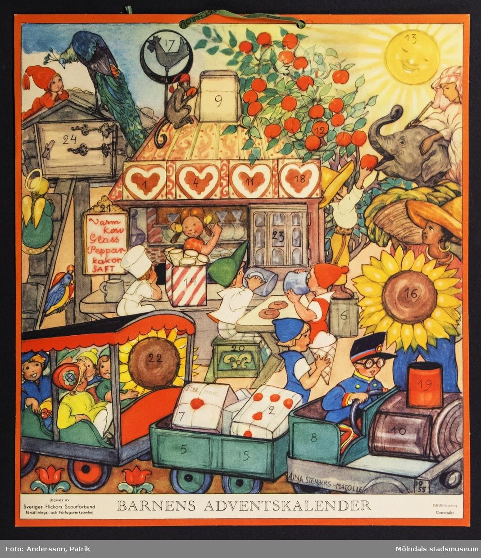 Barnens adventskalender från december 1955 utgiven av Sveriges Flickors Scutförbund. Motivet är tecknat av Aina Stenberg - Masolle. Kalendern fick Gunilla Ferm tillsammans med sina systrar Birgitta och Kristina.  I övre kanten på kalendern finns två hål med ett snöre för upphängning.