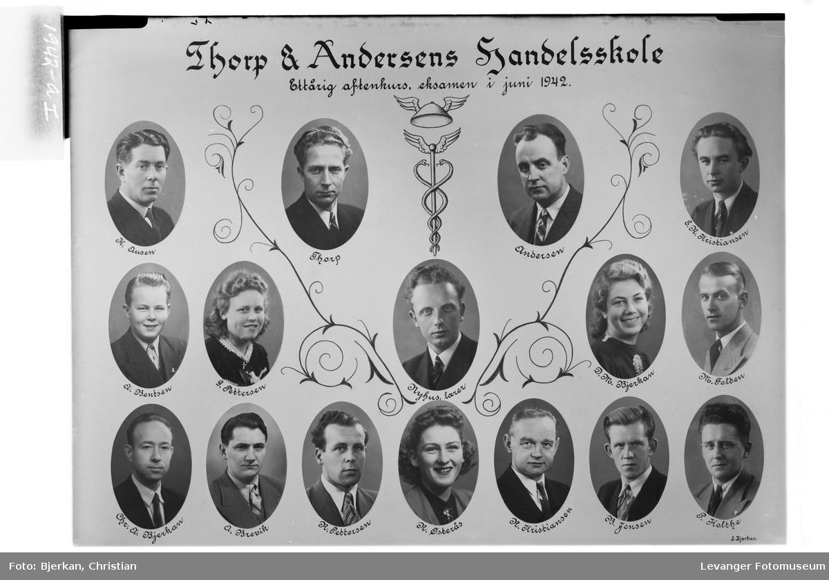 Thorp & Andersens Handelsskole. Ettårig aftenkurs, eksamen i juni 1942.