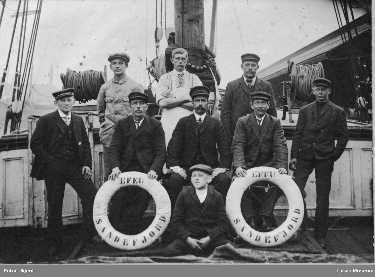 Mannskap på skipet Efeu av Sandefjord