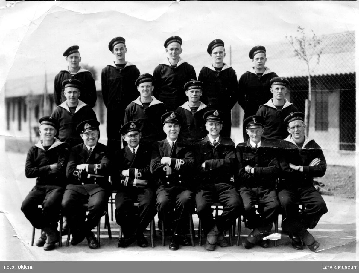 gruppebilde, båtmannskap, norsk marinefartøy
