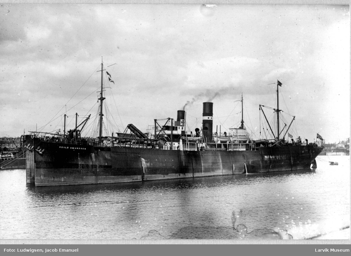 "Dampskip, DS/Flk ""Roald Amundsen"""