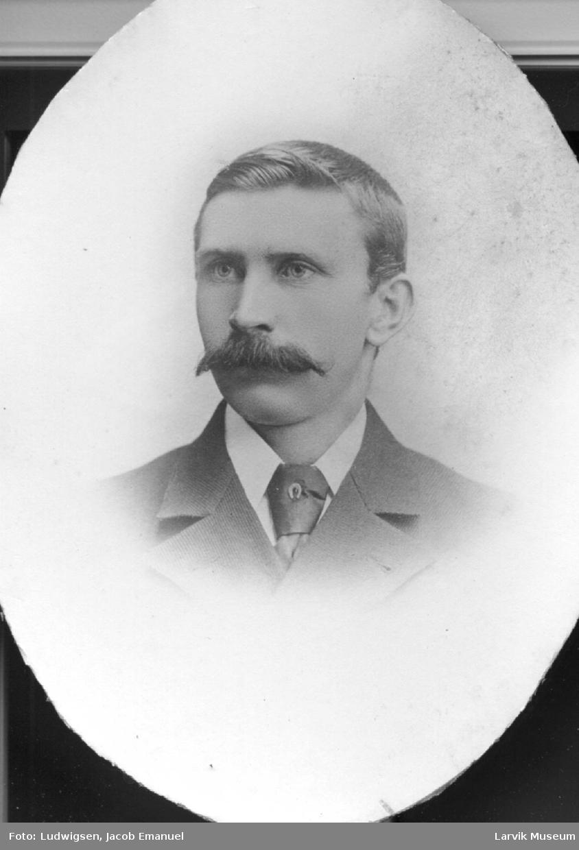 portrett, mann, kaptein Carl Christensen