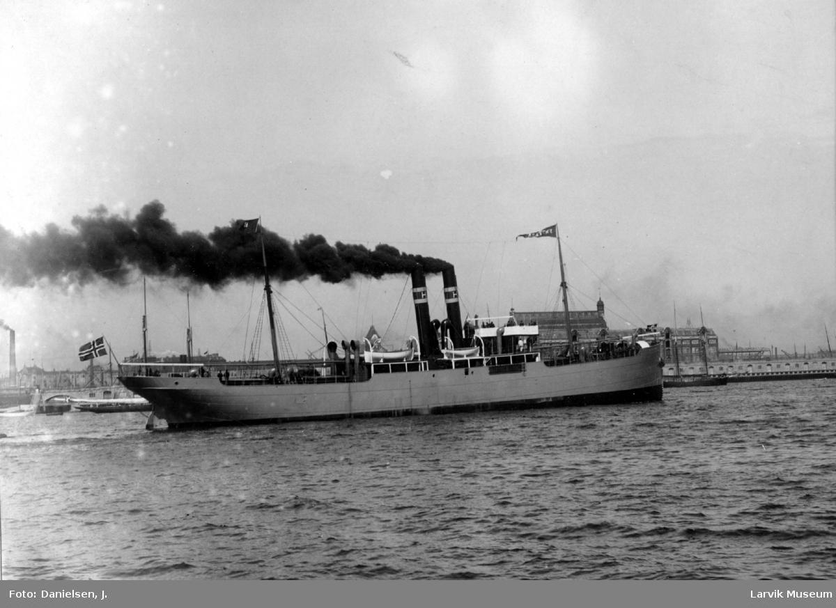 fartøy, dampskip m. 2 skorstener