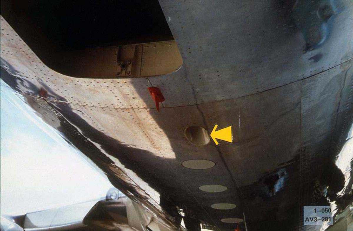 Detaljbilde av undersiden på en Boeing 737.