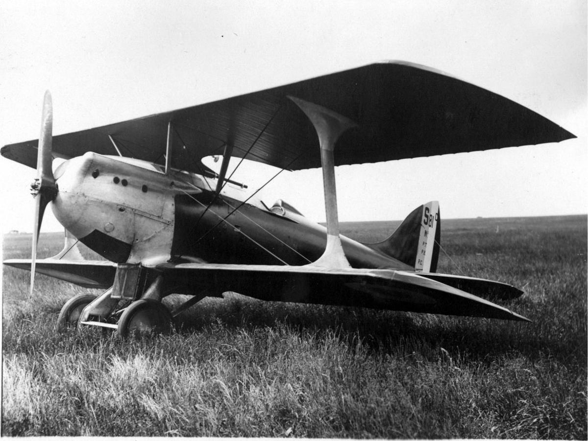 Fly, på bakken, Bleriot-Spad 81, skrått forfra.