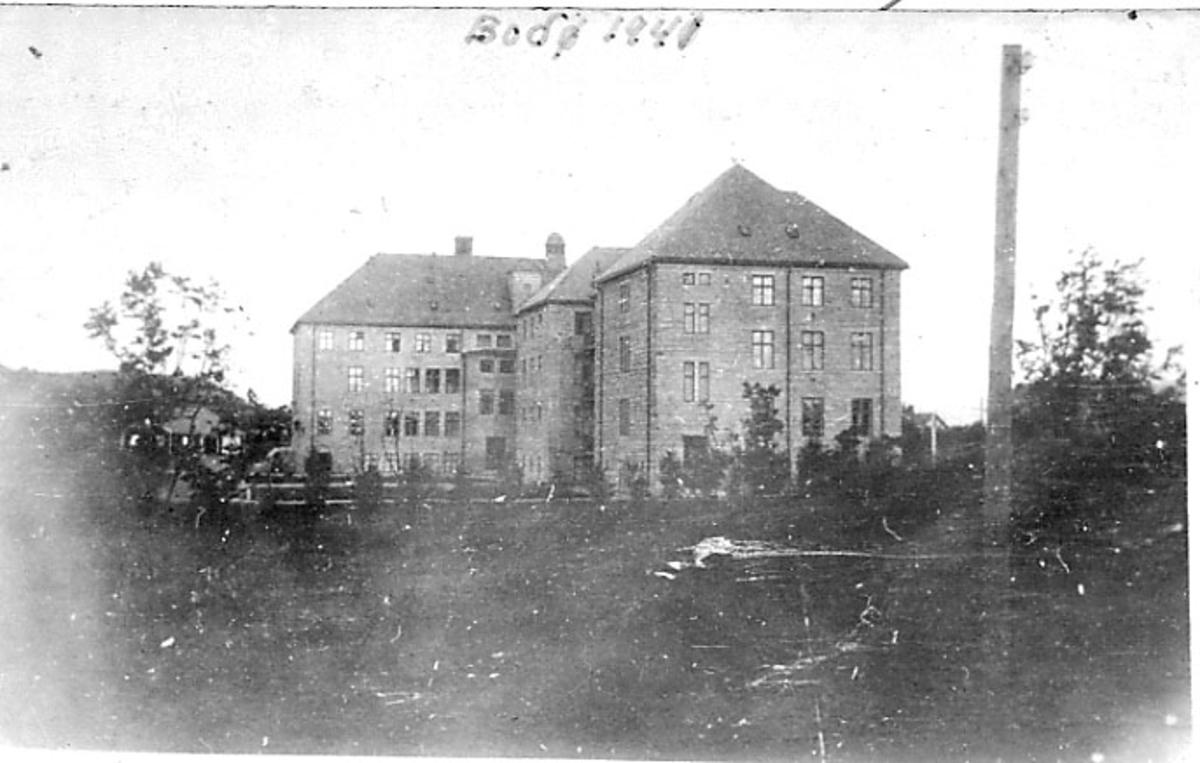 Bodø Sykehus før det ble truffet av bomber under 2. verdenskrig.
