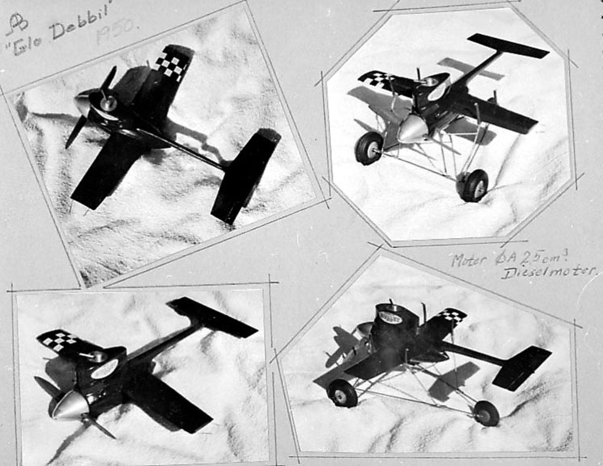 """Fra album. 4 foto av modellfly på en benk e.l. """"Glo Debbil"""" - Motor 2,5 cm3 Diselmotor"""