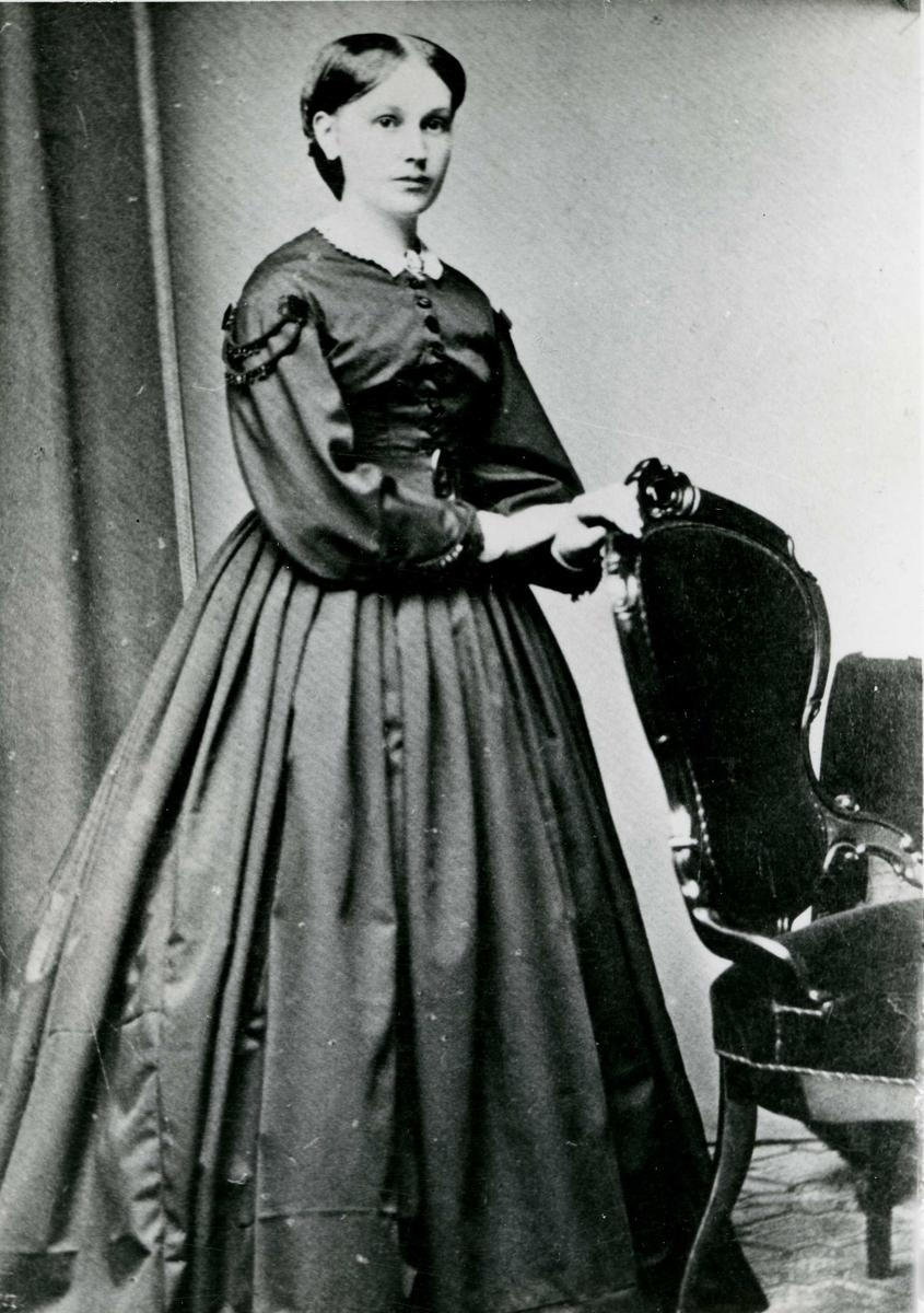 Portrett - Fru kateket Neumann.