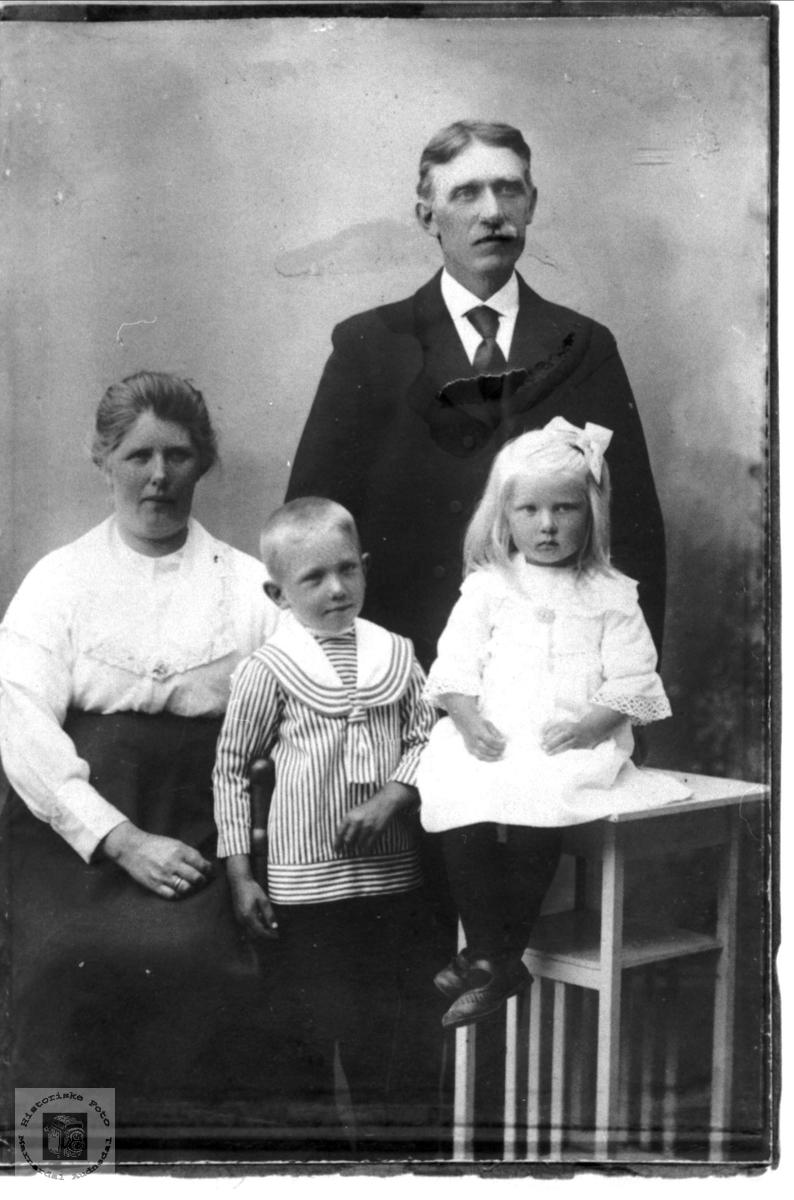 Foreldre og barn Øyslebø.