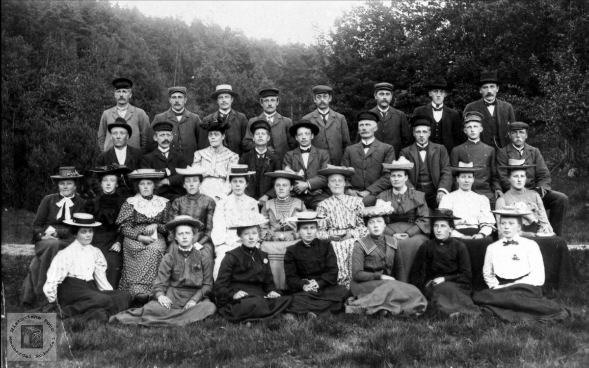 Brunvatne Kr. ungdomsforening ca 1908