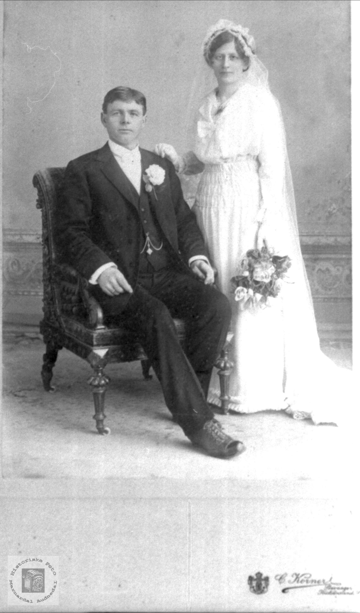 Brudepar. Torkel og Maja Lauvdal.
