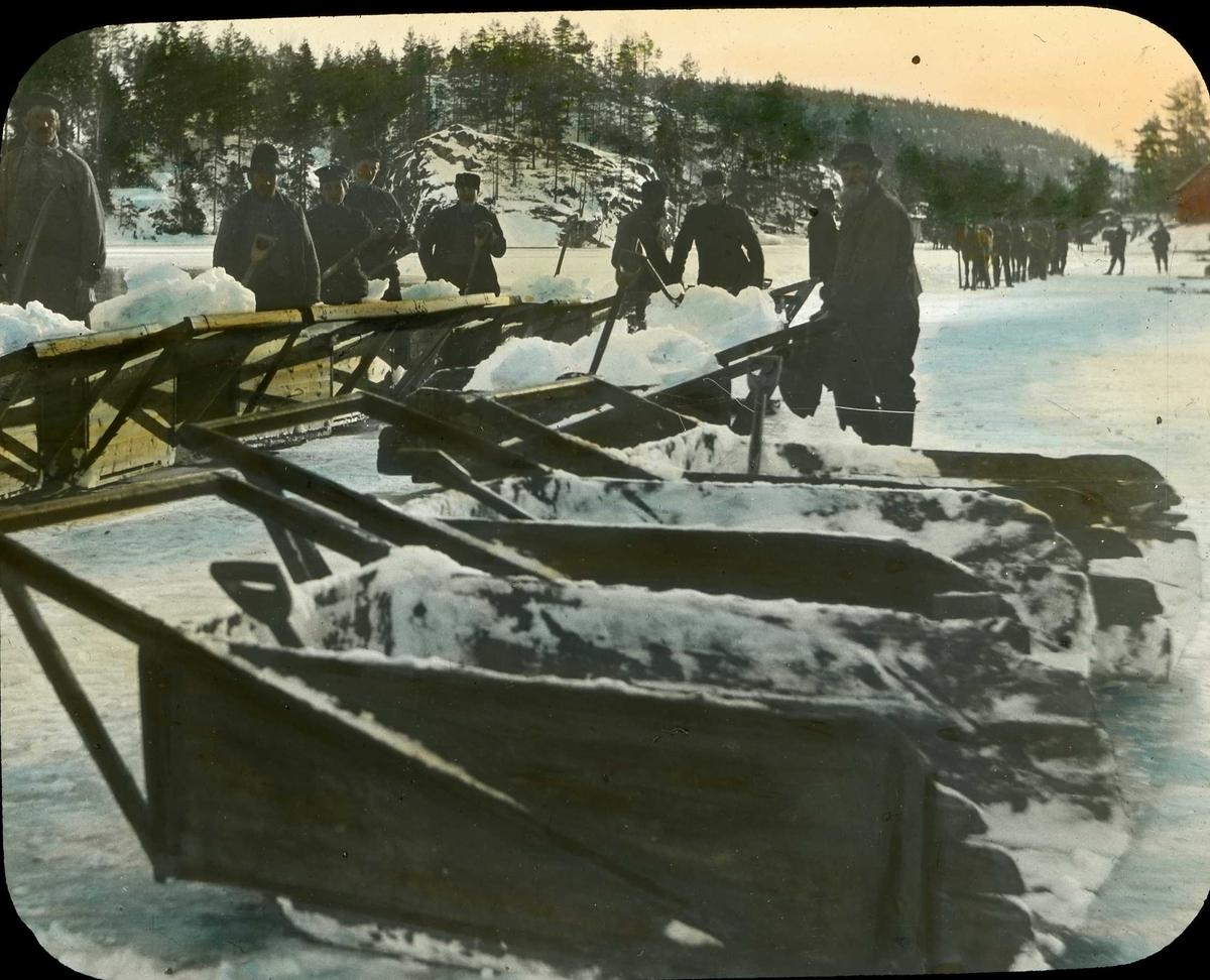Istrafikk, Kragerø, arbeidslag med issluffer, Wiborgtjenna (?)