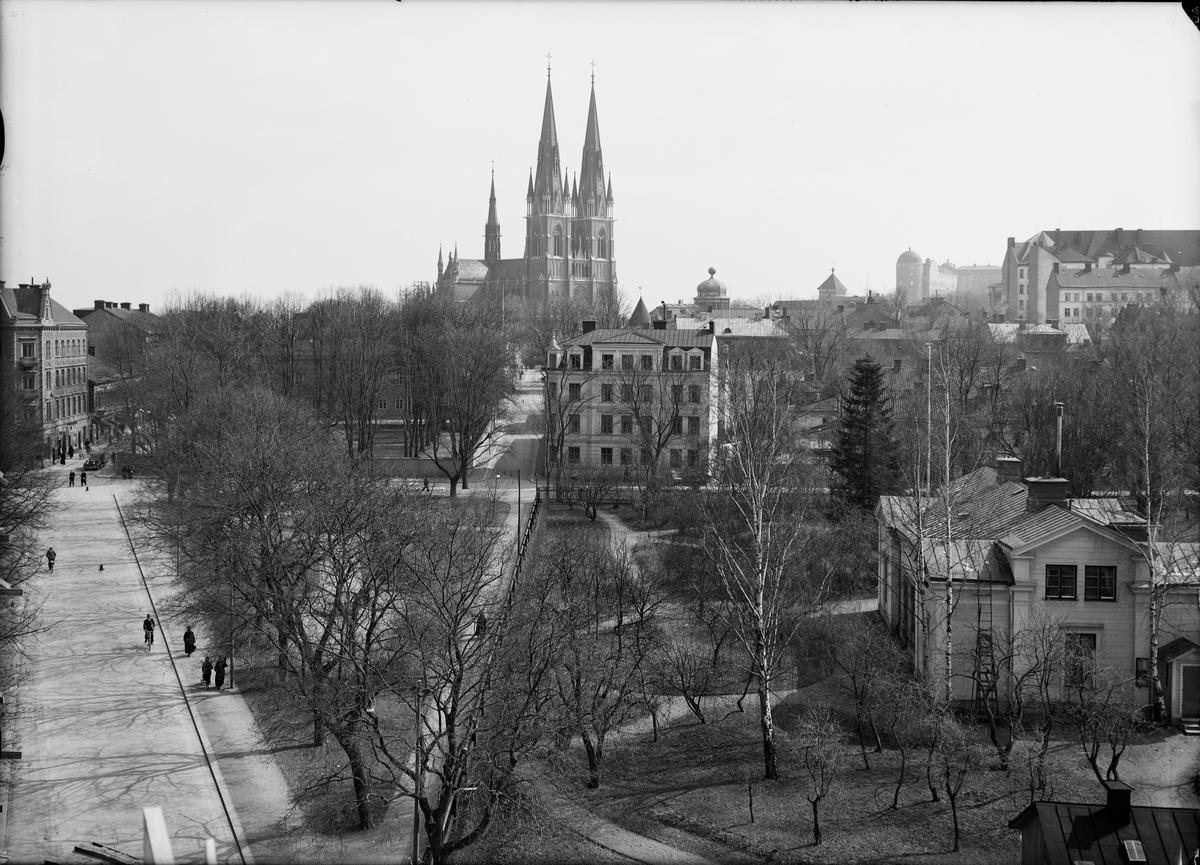 Stadsvy - från Börjegatan mot Uppsala domkyrka, Uppsala 1936