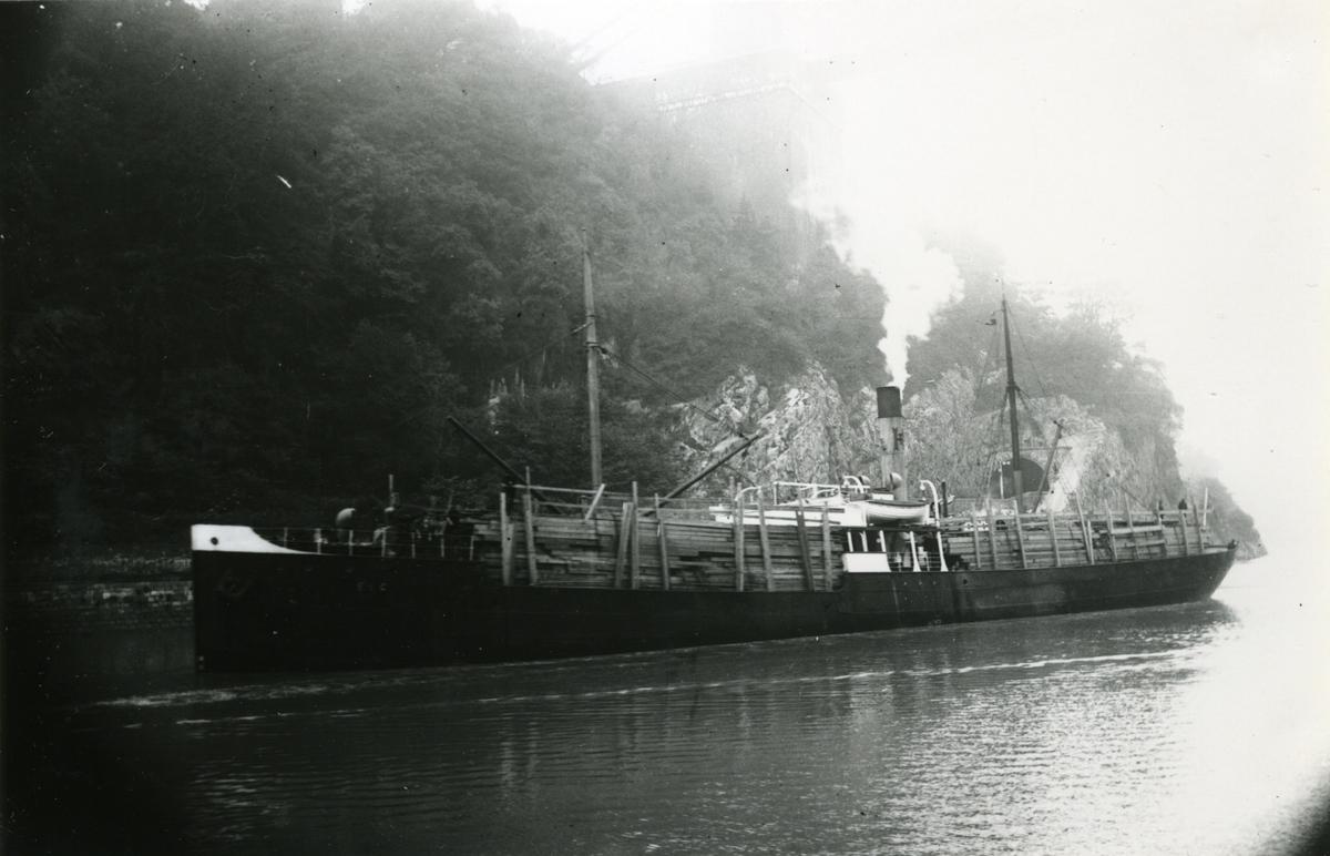 Ägare:/1901-11/: A/S Elg. Hemort: Lyngör.