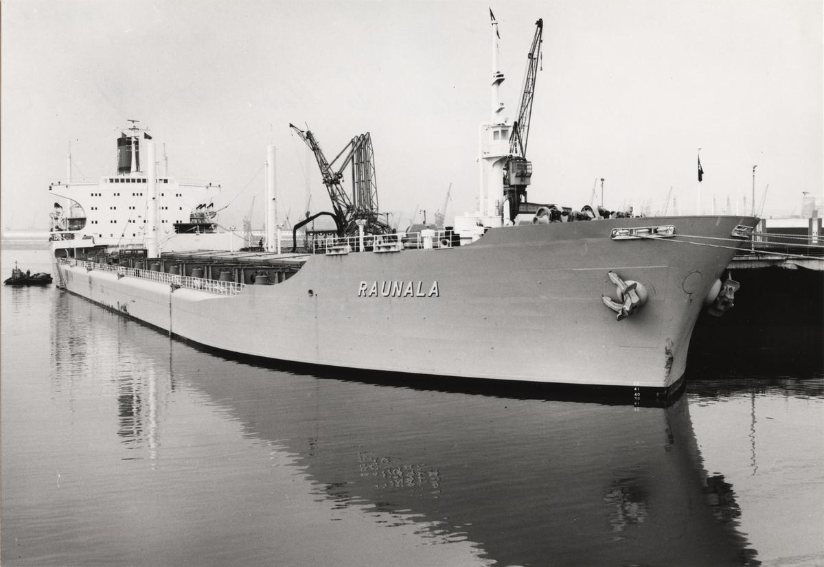 Lastmotorfartyget RAUNALA av Stockholm i Le Havre, den 27-28/2 1965.