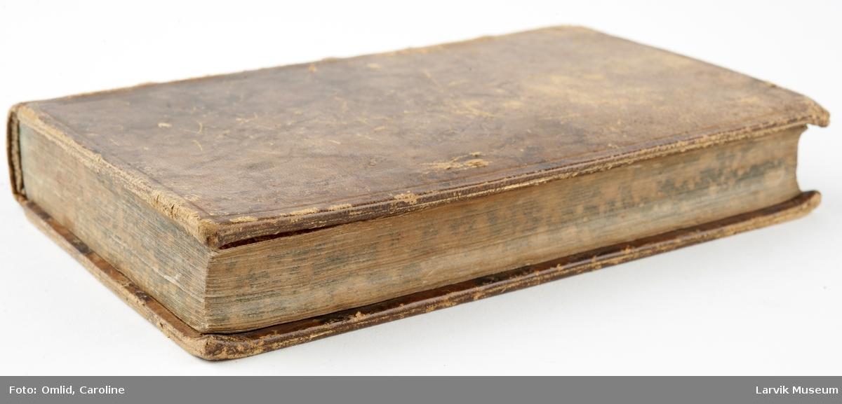 """Innbundet bok m 840 sider + tittelblad: """"Christian Sturms Betragtninger over Guds Gierninger i Naturens Rige paa hver Dag i Aaret mm."""""""