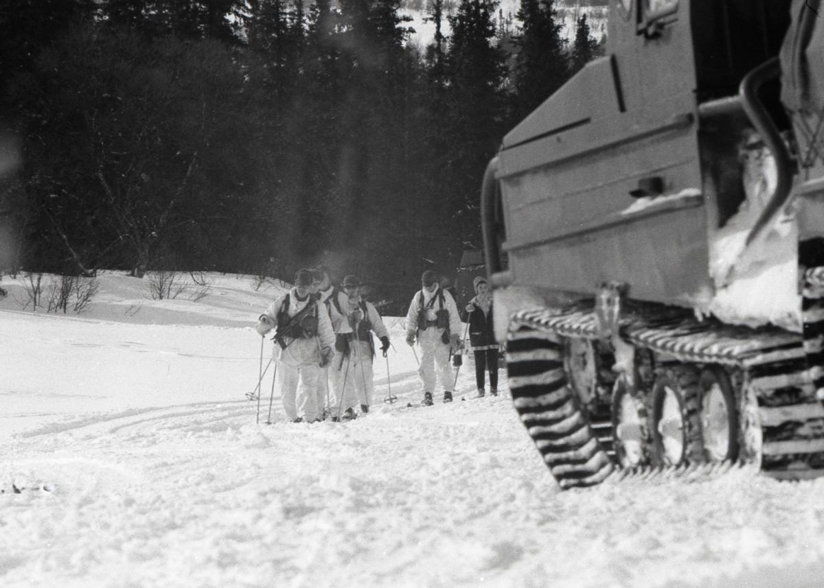 Vinterövning med värnpliktiga från I 21 Västernorrlands Regemente.