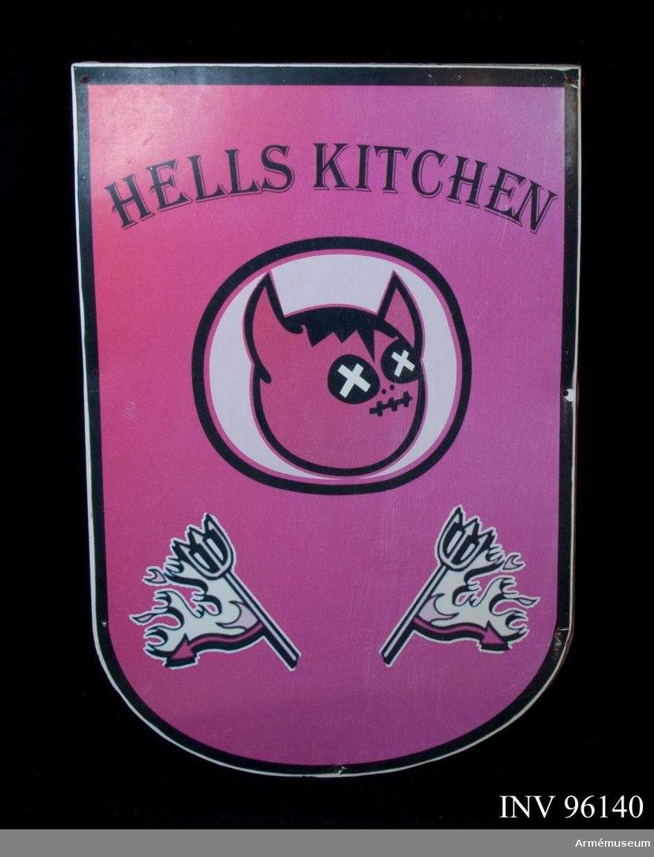 "Skylt med texten ""Hells kitchen""."