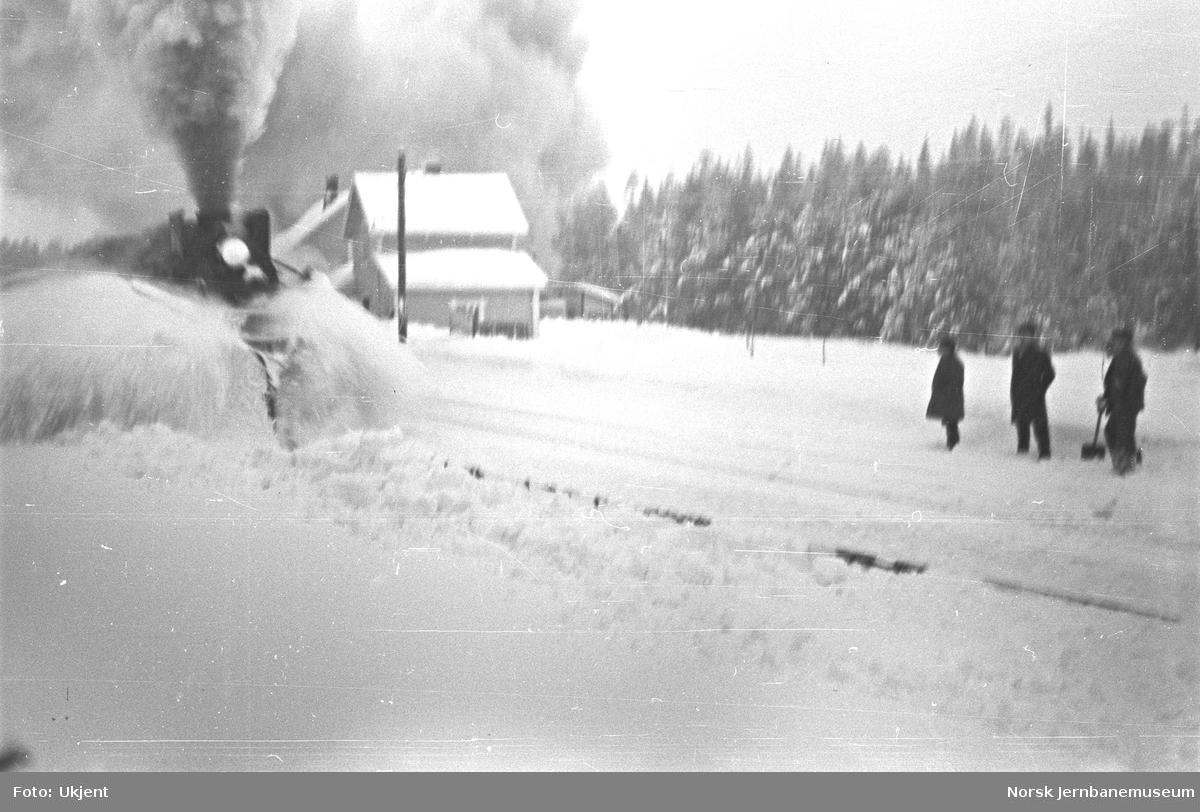 Snørydding på Gjøvikbanen