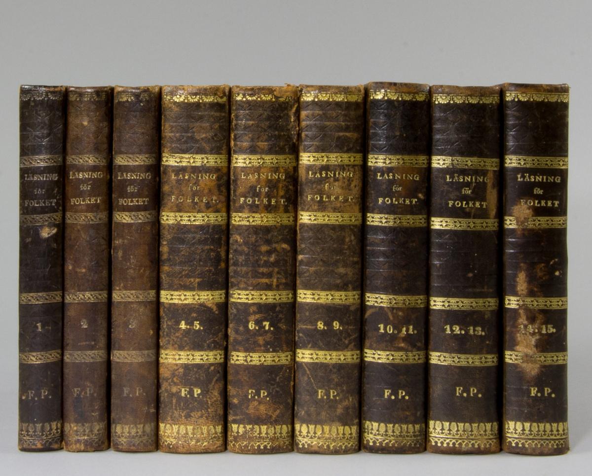 """Bokband, nio böcker, halvfranska band: """"Läsning för folket"""". Volym 1 - 15. Banden med blindpressade och guldornerade ryggar. Pärmarna klädda i marmorerat papper i brunt, violett och svart."""