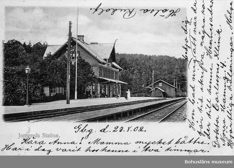 "Text på kortet:"" Jonsereds Station""."
