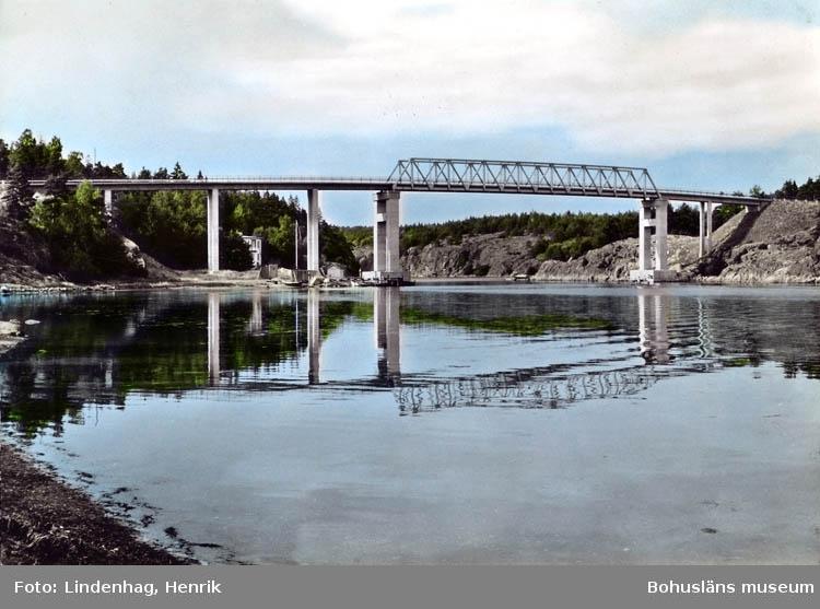 """Text på kortet:"""" Strömstad. Nya bron mellan fastlandet till Daftö och Öddö""""."""