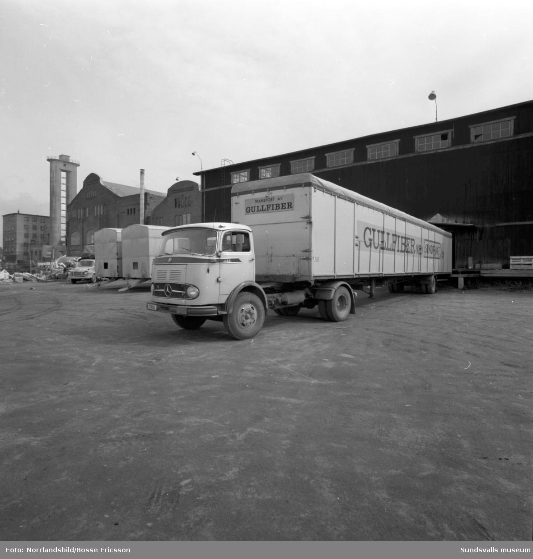 Lastbil med Gullfiber, Söråker, Gullhögens AB.