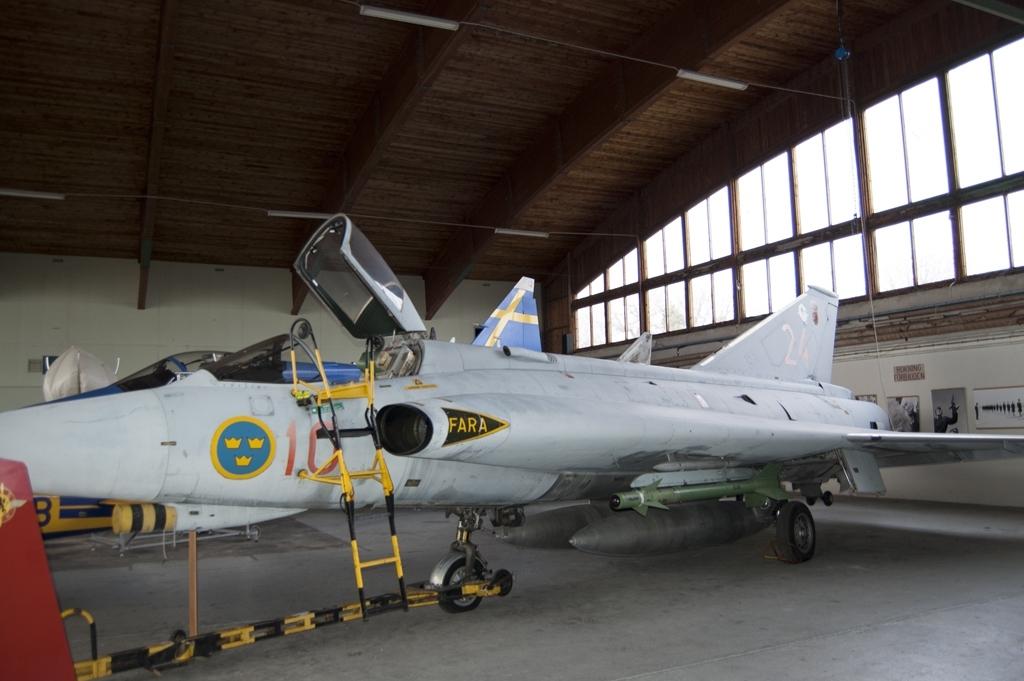 Modifierad från J 35F till J 35J (gråmålad). 35624 godkändes 1972 och tjänstgjorde på F 1 och F 10.