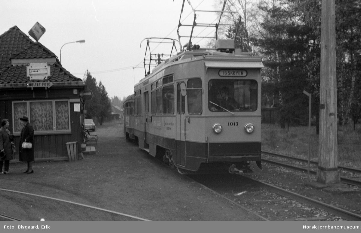 Ekebergbanens vogn nr. 1013 på Holtet