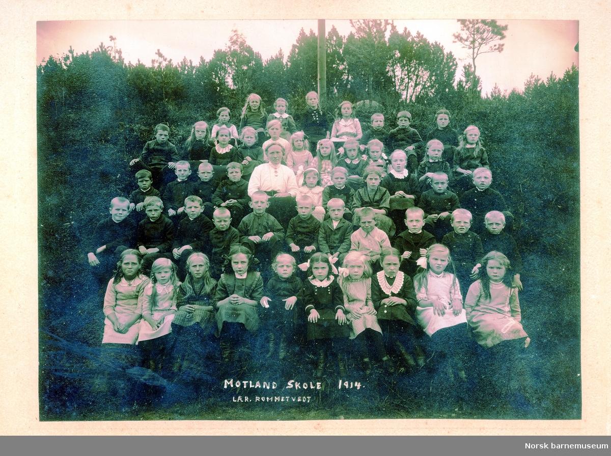 Motland skole,  Nærbø, 1914. Lærer: Rommetvedt