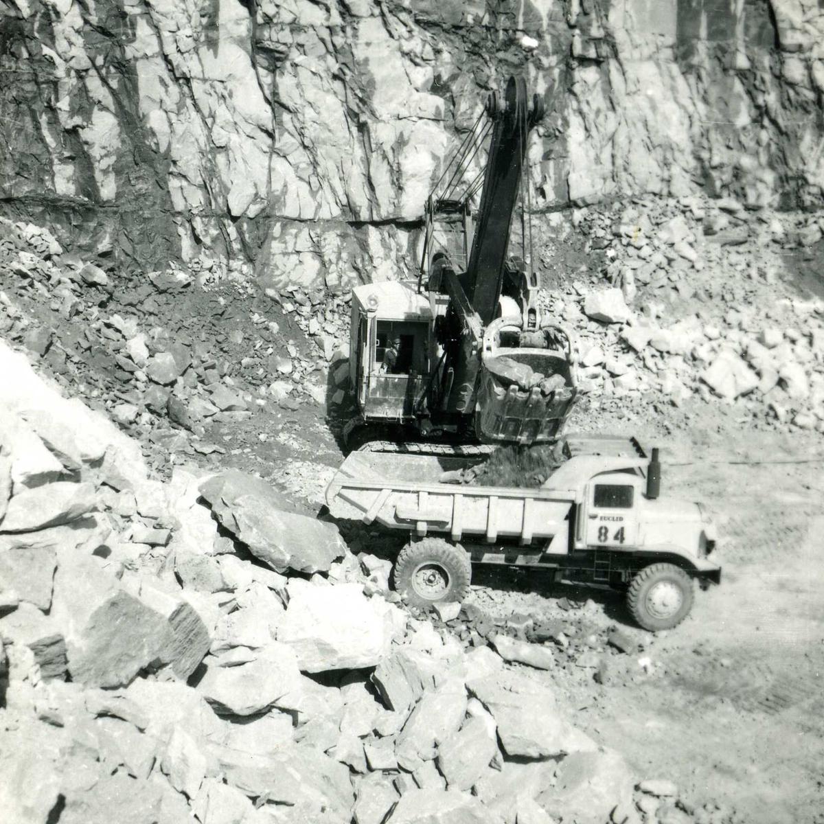 Songa 84,henting av stein