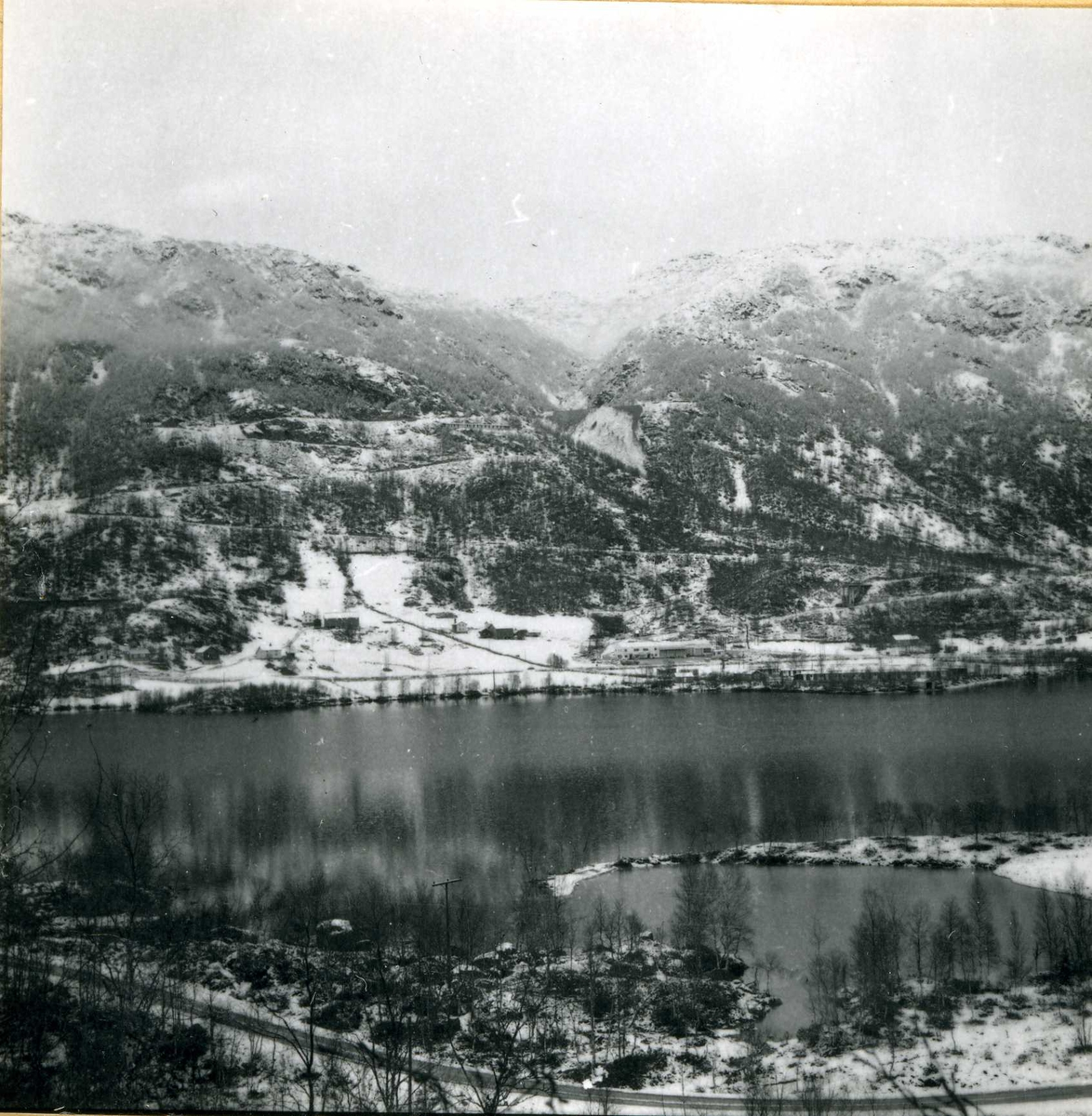 Kraftområdet. Fellesanlegg. (75) November 63