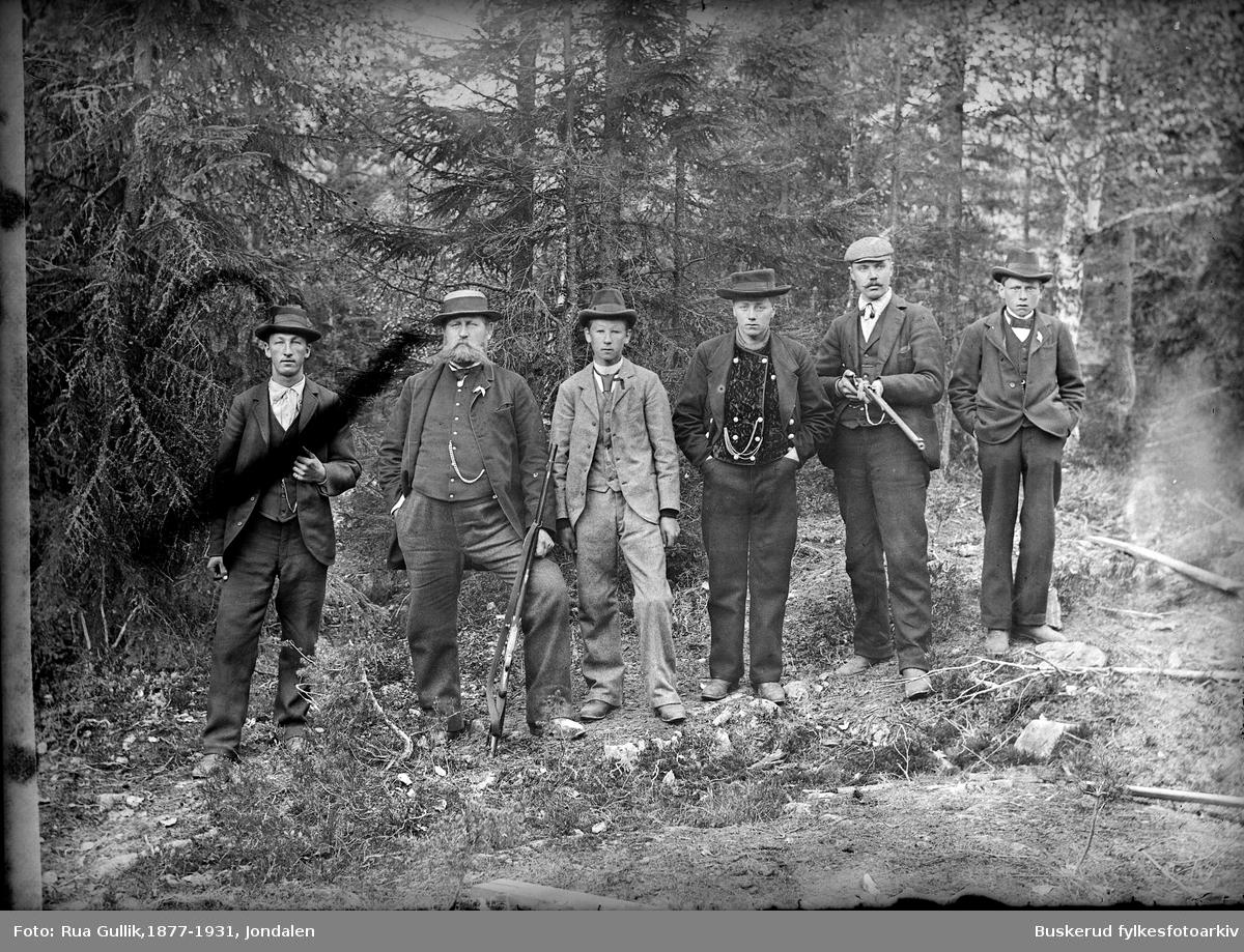 Skyttergruppe fra Svene Lensmann Haug nr 2 fra venstre Flesberg 1899
