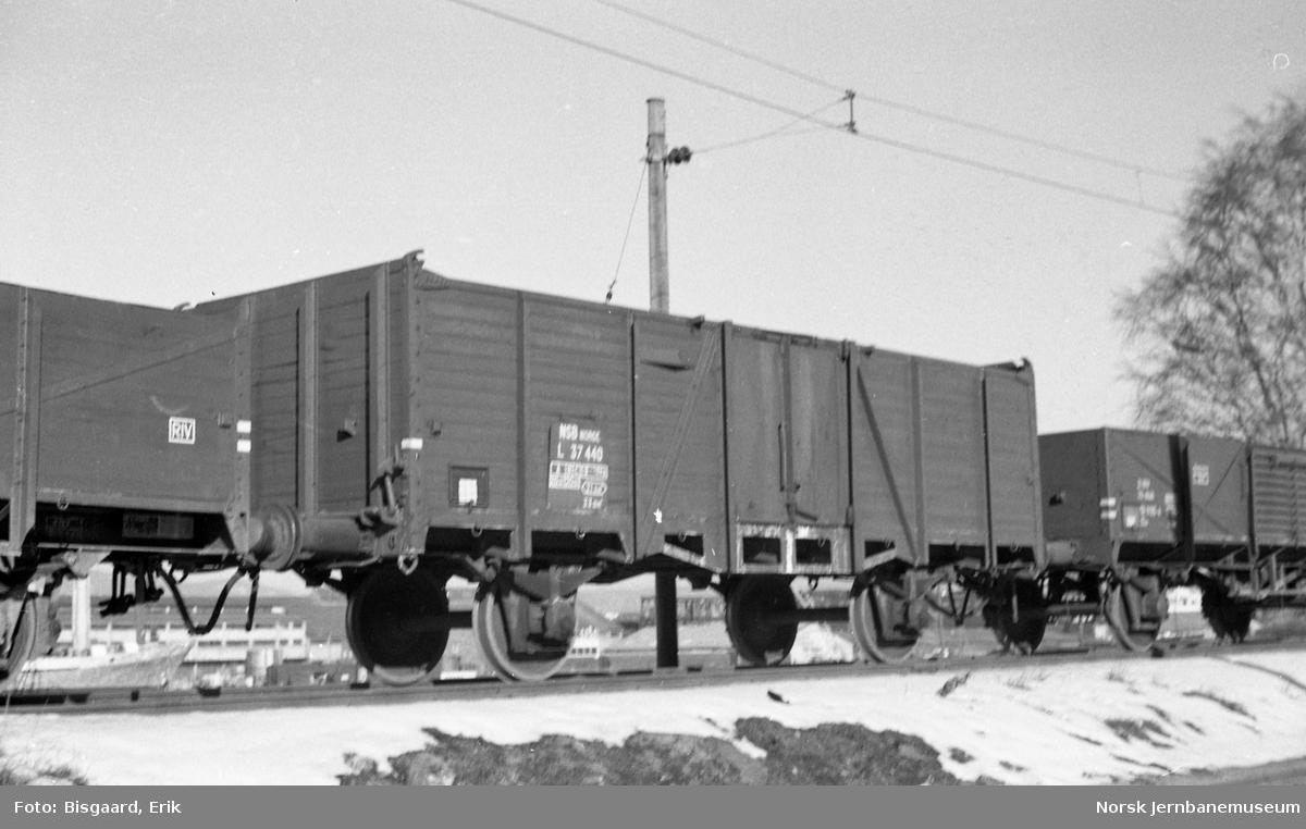 Kassevogn litra L nr. 37440 på Loenga
