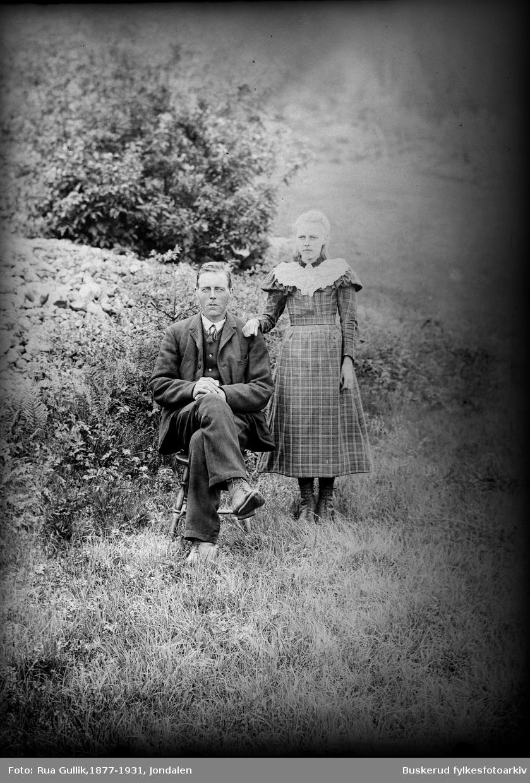 Gullik G Ulland (1857-1943) Datter er Anne (1886-1900) Foto Flesberg 1899