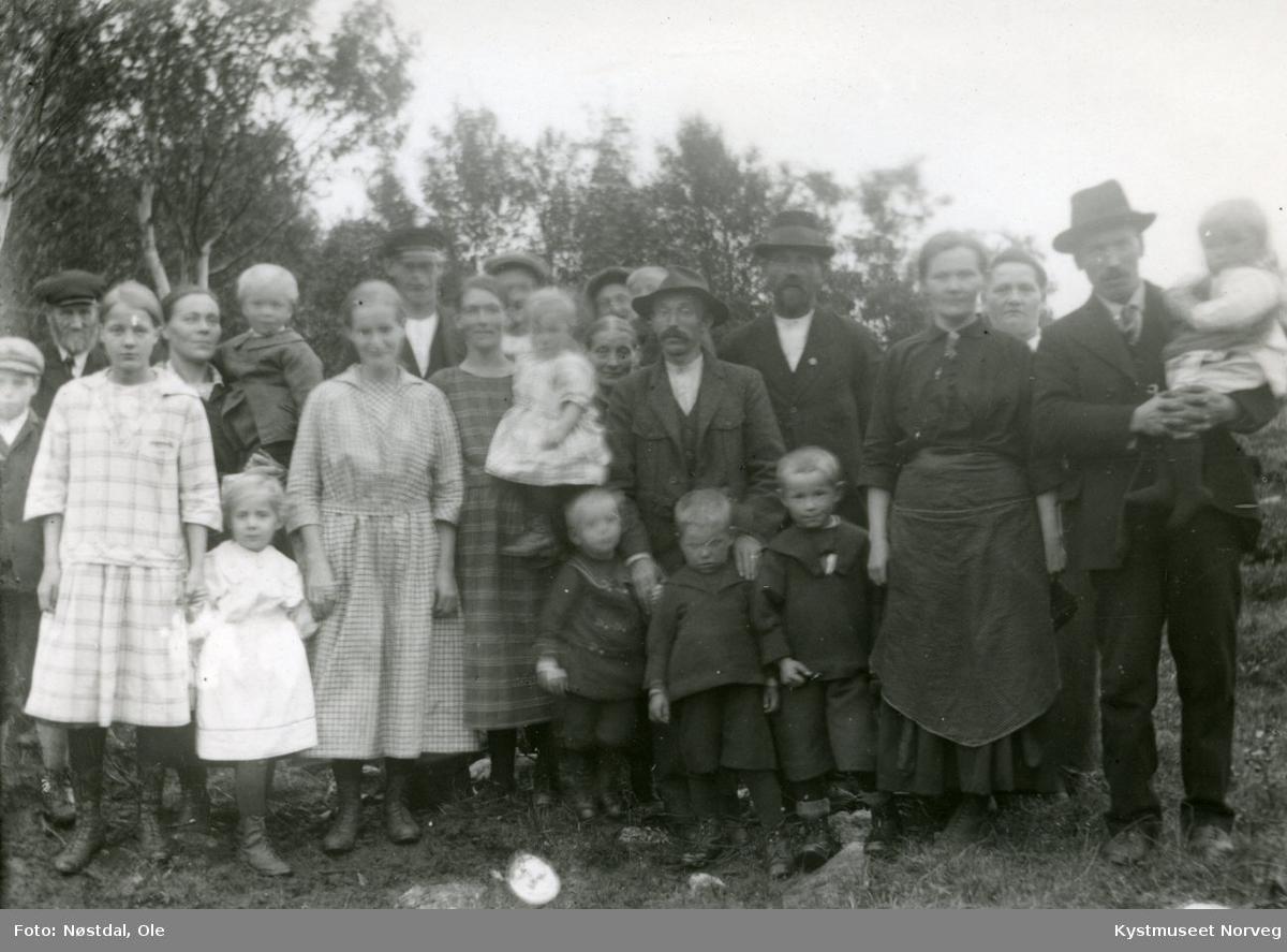 Dåpslag hos familien Rosenvinge på Hansmo i Gravvik