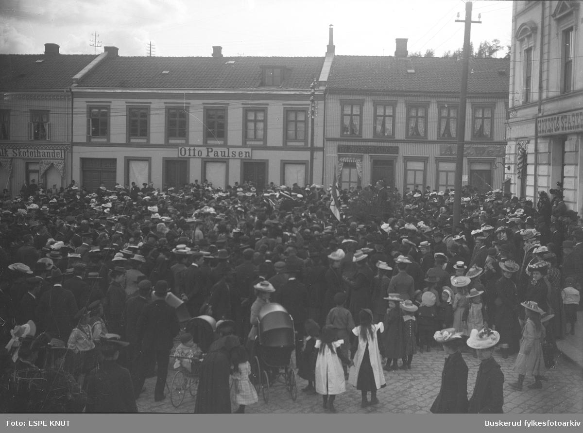 Forsamling på S. Torg.