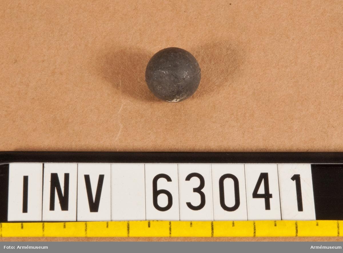 Grupp F II. 16,03 mm blykula (blyskrot). Till granatkartesch till 8 och 10 cm framladdningskanon m/1863.