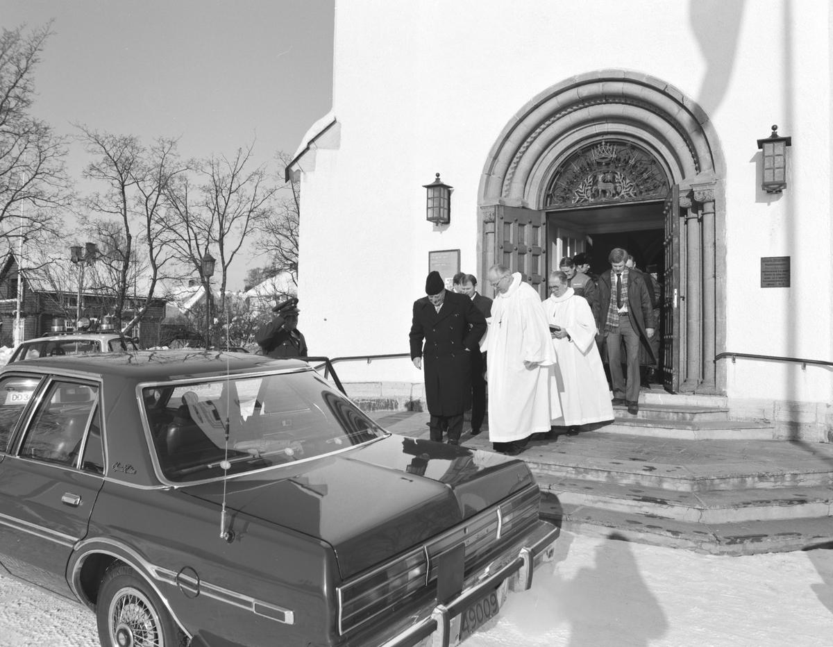 Kong Olav 5, gudstjeneste i Hamar Domkirke i forbindelse med Verdensmesterskapet på skøyter, 17.02.1985.