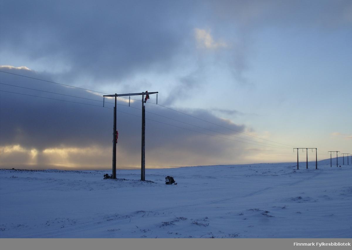 Toppbefaring av 66 kV linjen mellom Komagvær - Kiberg (januar).
