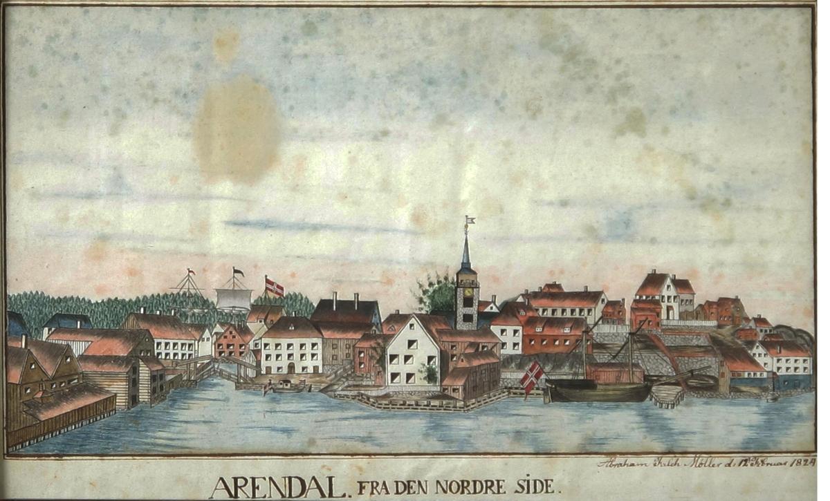 Prospekt av Tyholmen, sett fra Kittelsbukt. 2 skuter og liten båt ved bryggene, alle med norske flagg u. unionsmerke. Kirkens gråstenstårn m. spir slik det var 1824. Tekst, signatur og dato under billedt, som ovenfor anført.