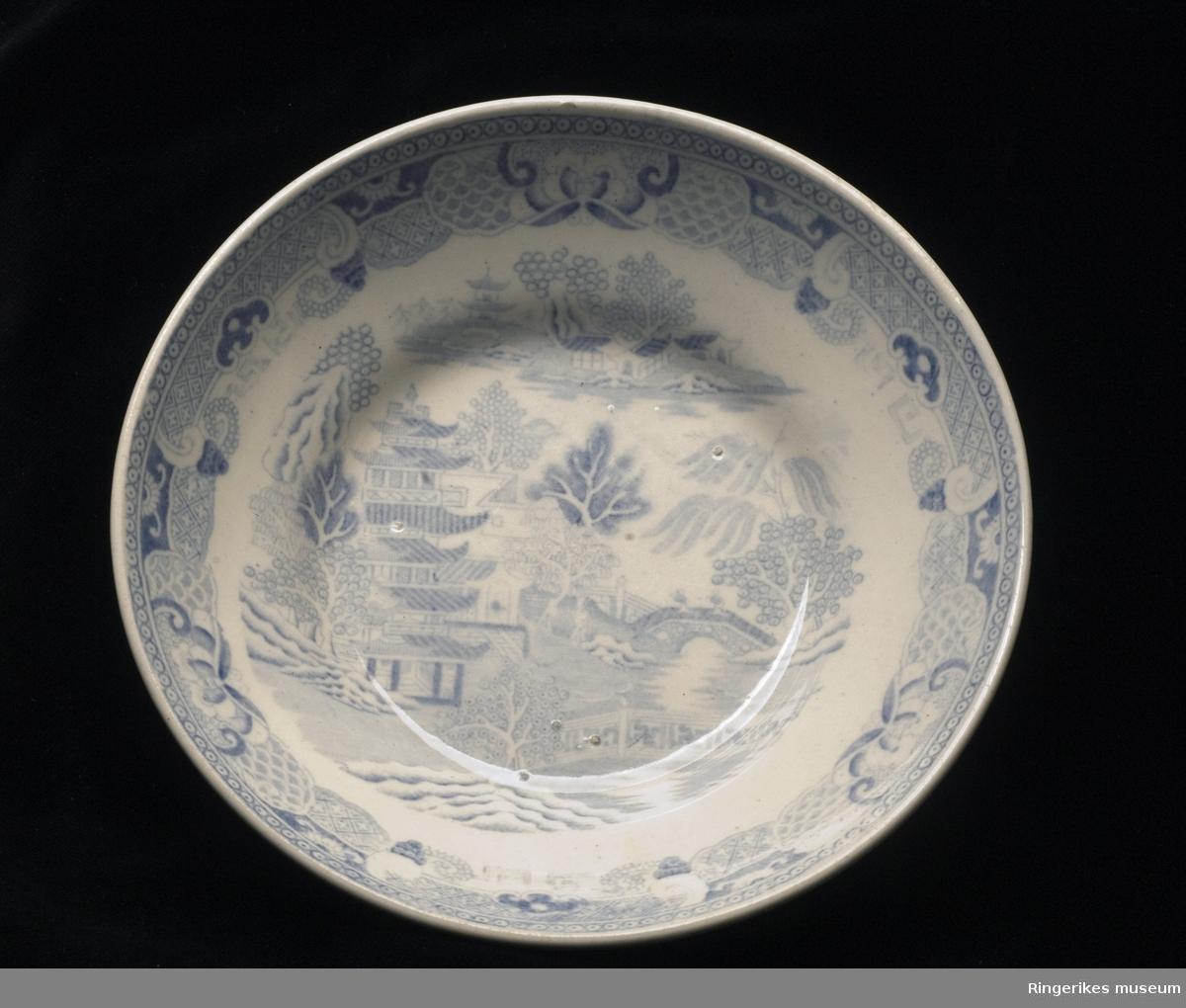 Skål hvit m/ blå dekor  Asiatisk mønster